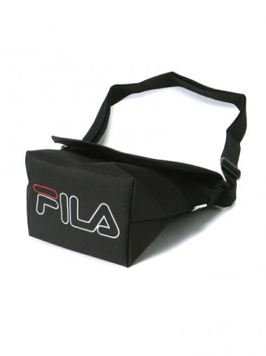 FILA  Logo Shoulder Bag - Black