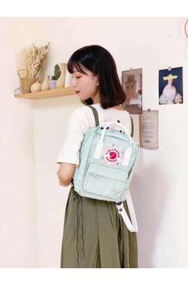 [刺繡限定!] Fjallraven Kanken Mini - Mint Green Cool White / Daisy Blossom