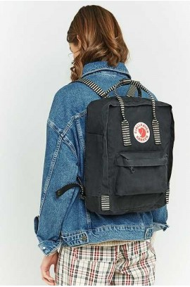 Fjallraven Kanken – Black Striped Pattern